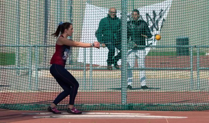 Gema Martí, rompe la barrera de los 60m con nuevo record/Gema Martí, trenca la barrera dels 60m amb nou rècord