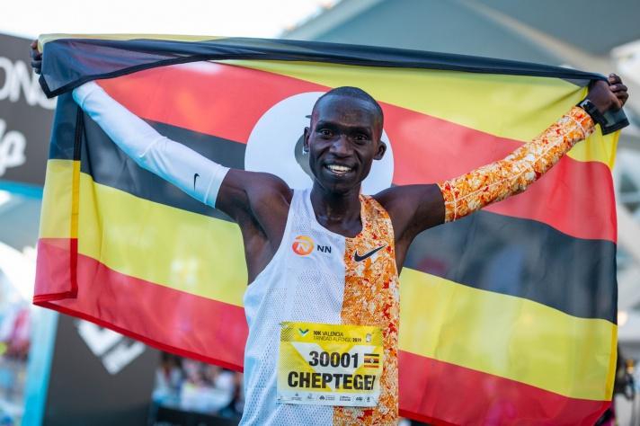 Cheptegei, a por el récord del mundo en el Autonómico de Valencia/Cheptegei, a pel rècord del món en l'Autonòmic de València