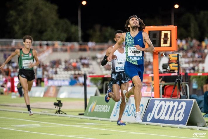 Los atletas somos como un rompeolas para los corredores aficionados/Els atletes som com una escullera per als corredors aficionats