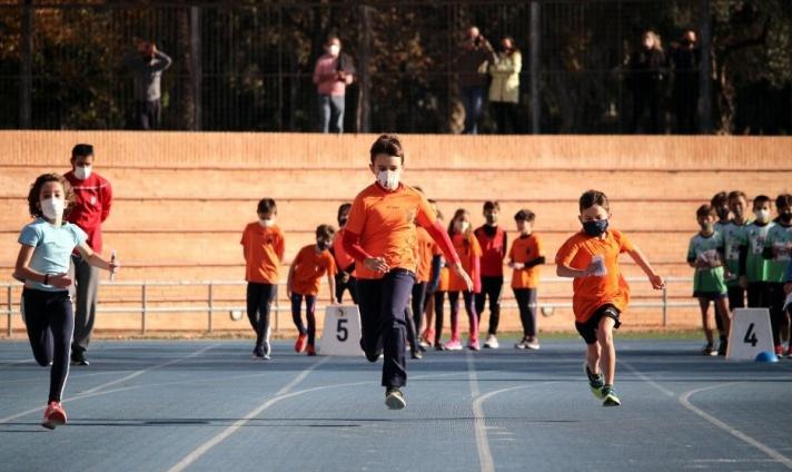 Escuelas de la Federación de Atletismo.  Abiertas las Inscripciones CURSO 2021-22/Escoles de la Federació d'Atletisme.  Obertes les inscripcions CURS 2021-22