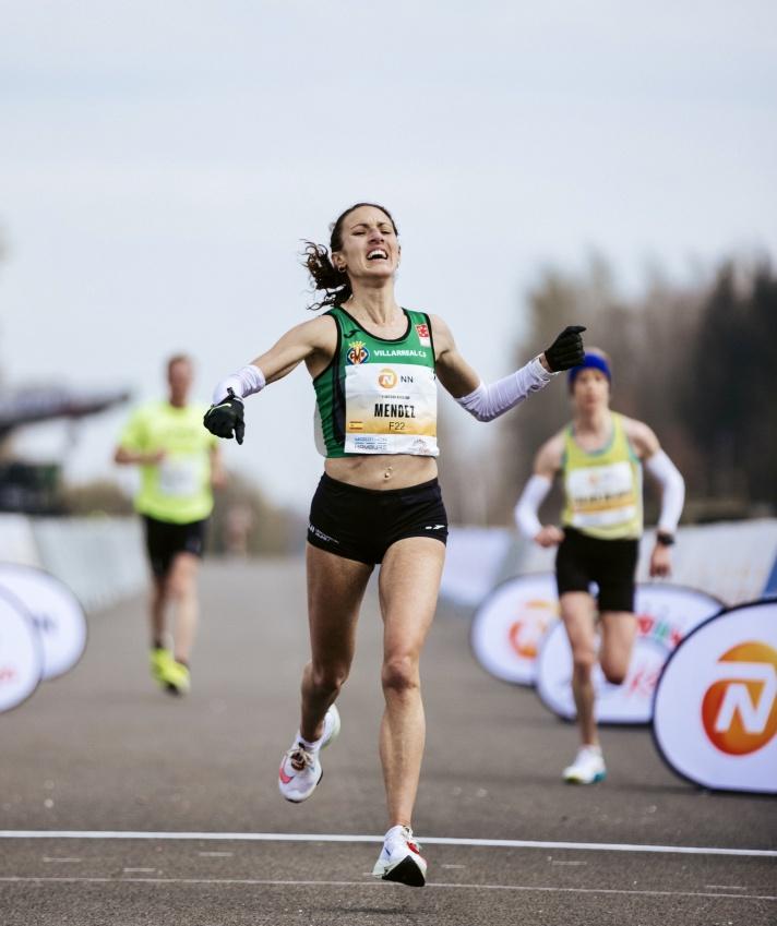 Laura Méndez logra la mínima olímpica/Laura Méndez aconsegueix la mínima olímpica
